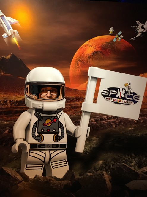 """Klein Maufi auf """"Space Mission."""