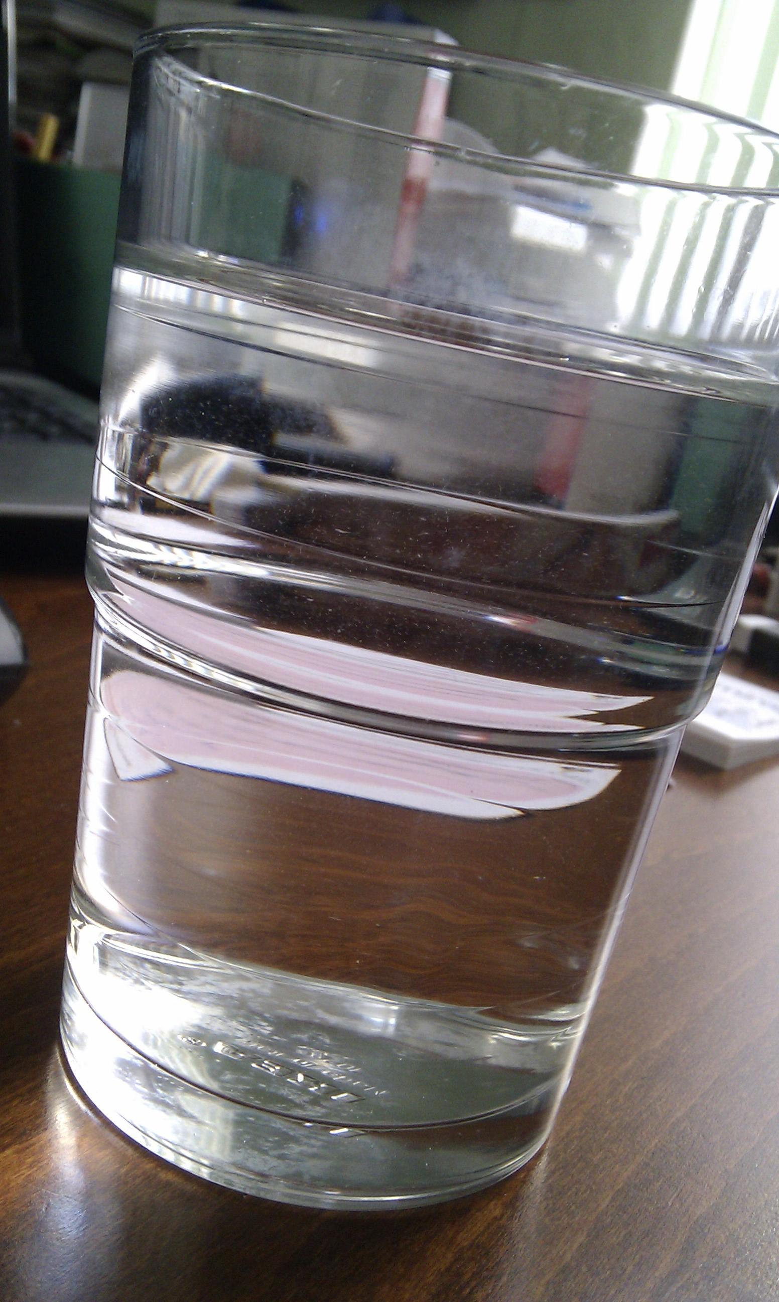 Leitungswasser im Glas